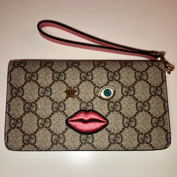 Gucci Handbags - Gucci Wallet